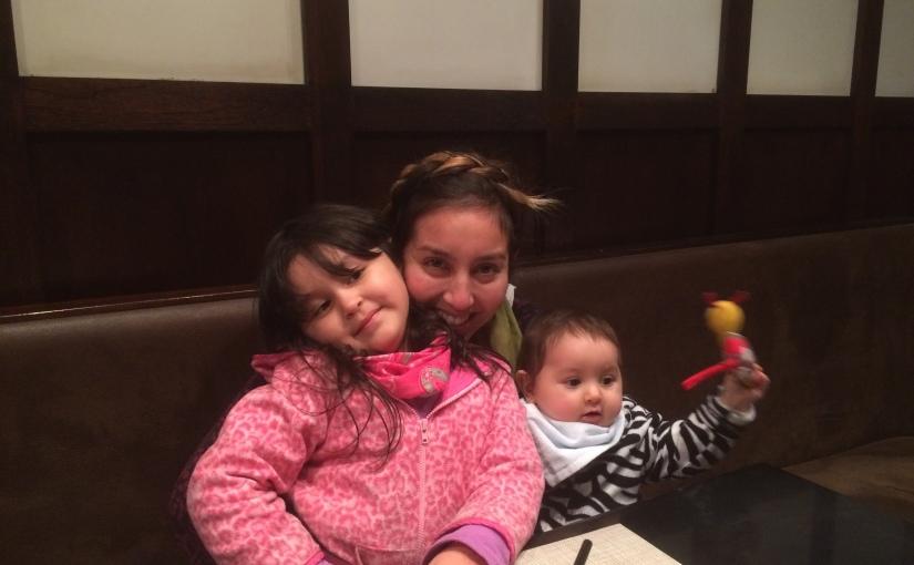 #Maternidad Ir al cine con Sofía y Olivia -y no morir en elintento-