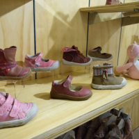 Nueva línea de zapatos se suma a Infanti Clothes