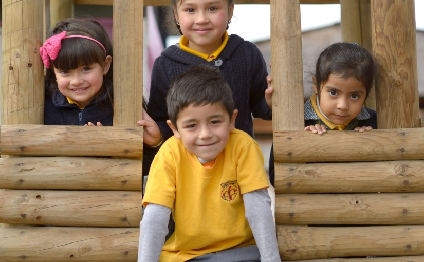 Más allá de los libros: fomentando el desarrollo del lenguaje de los niños en lafamilia