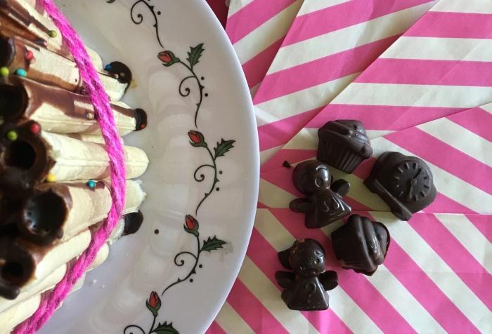 bombones rellenos y torta de cuchufli