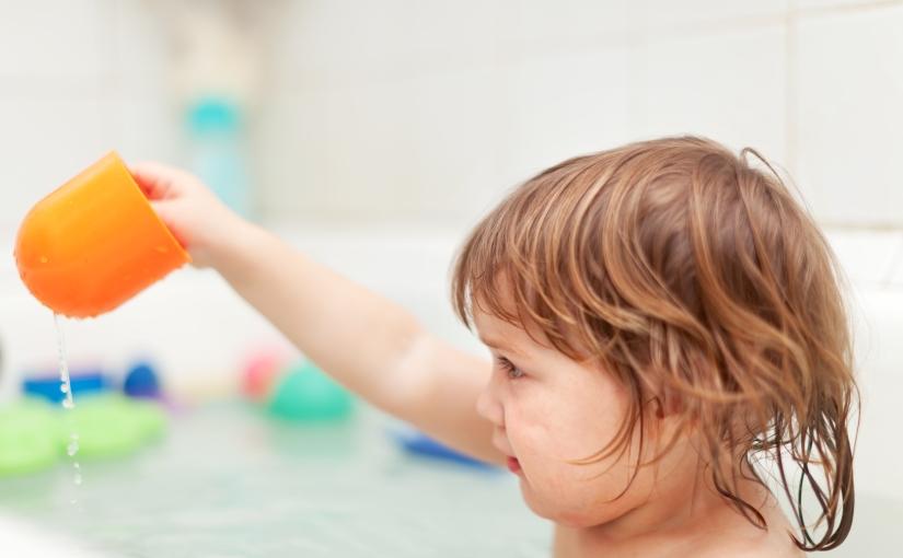 Cinco consejos que te ayudarán a lavar adecuadamente el pelo de tuhijo